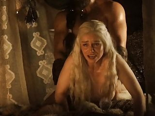 Emilia clarke gets slo motion...