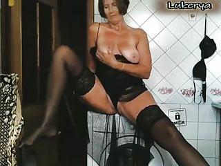 Washing machine striptease...