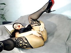 Hot milf in sexy lingerie masturbates pussy and cums hard