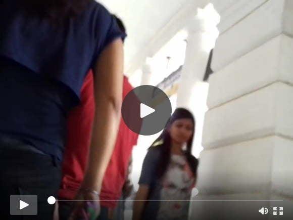 भारतीय लड़की तंग जींस गधा बट