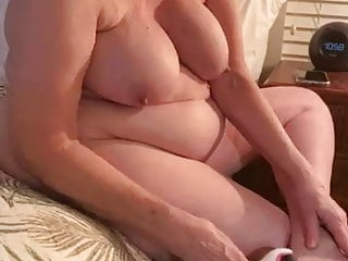 NUDE GRANNY AFTER SHOWER BEFORE BED