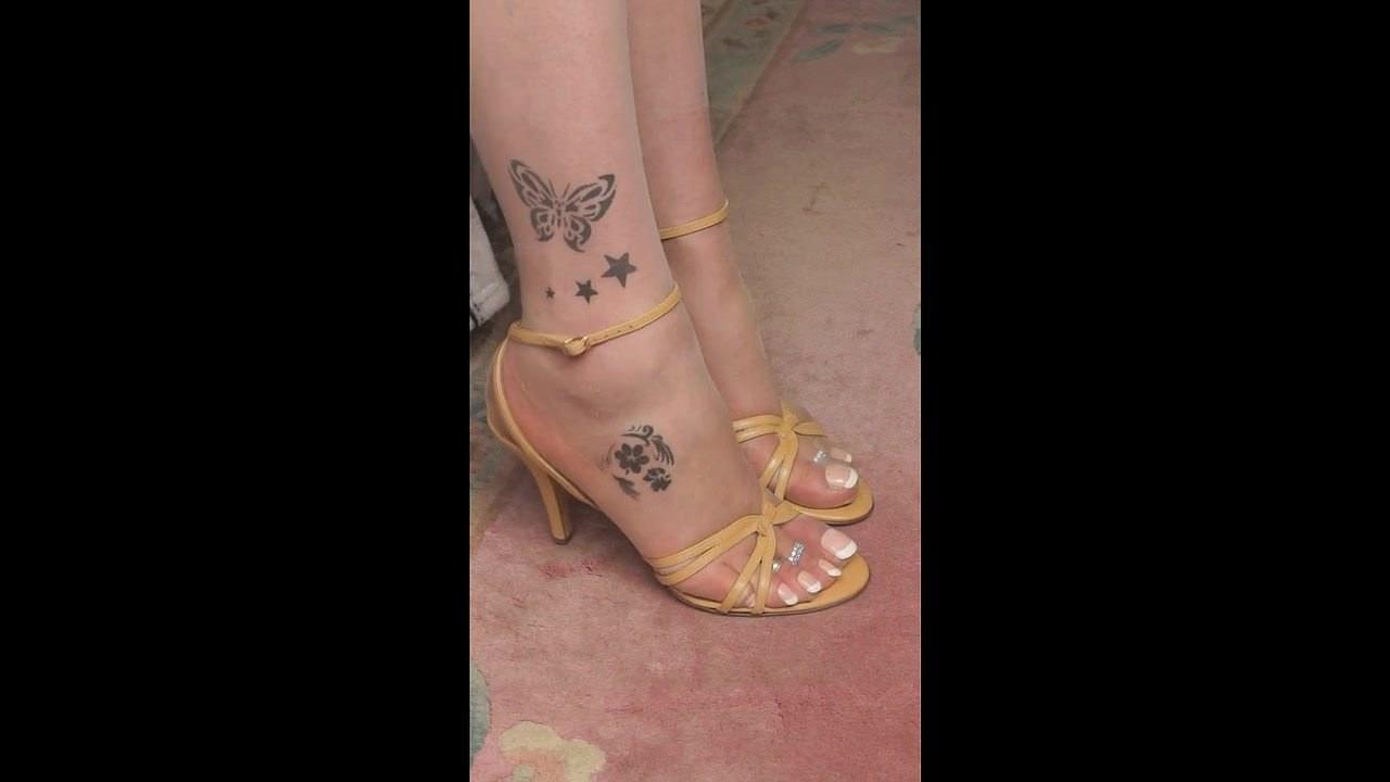 Fetiș picioare chilot 06