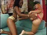 Cute thick bikini bi black girls suck their pussies and fuck a double dildo