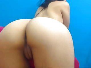 Sofi Flirty