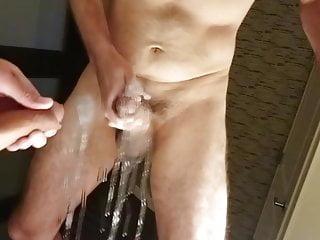 سکس گی شمشیرهای بار عظیمی از داغ سفید تقدیر در یک هتل آینه فیلم HD استمناء فضول بزرگ دیک آماتور