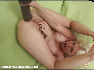 Jayda diamonde gapes her ass dildo...