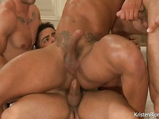 4 Some Bodybuilders big cock fuck bareback