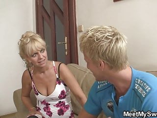 máma šuká spícího syna porno zdarma černé a španělské porno