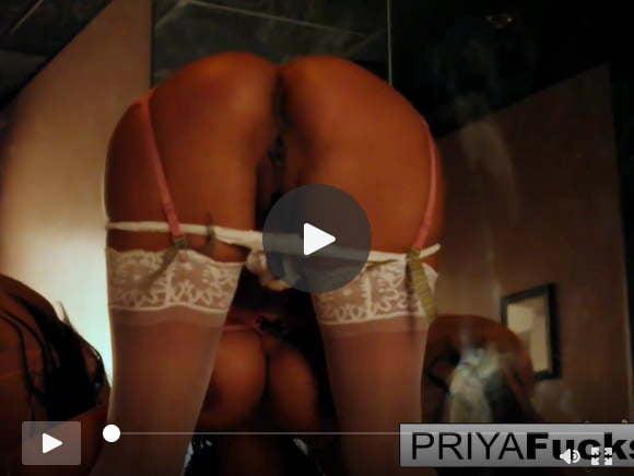 प्रिया राय नामक भारतीय आकर्षक के साथ सेक्सी छेड़छाड़