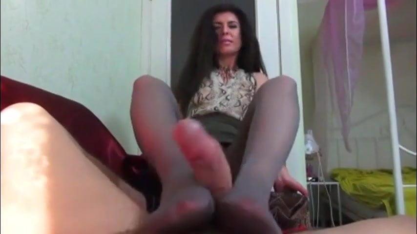 Skinny erotic ebony maid