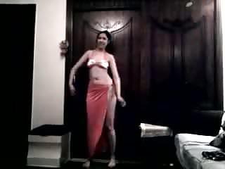 Hot Arab Girl Dancing 018