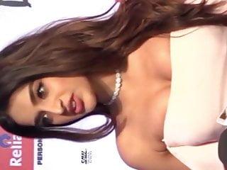 Telugu actress nighi agarwal boobs adjusting in public...