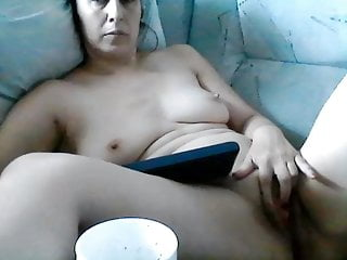Shaved Milf on cam