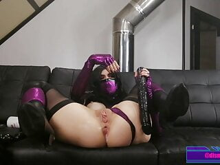 Dirty Slut Mileena Eagerly Swallows Her Own Squirt