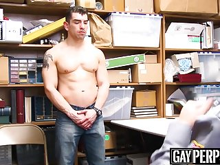 Muscular suspect gets raw officer cock...