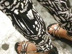 Lichte ebonyen voeten