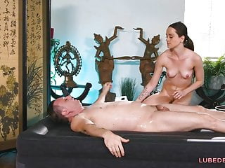 Masseuse lily glee fucks a lucky client...