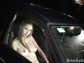 Splendida bionda adolescente in PUBLIC gangbang sex Parte 2