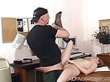 Hot girl enjoys some good anal and gets a cumshot