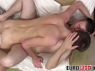 Young virgin twink blows takes it in rear...