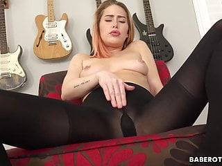 Solo babe, Carter Cruise is eagerly masturbating, in 4K
