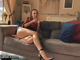 Sophia smith sexy babe chats nude...
