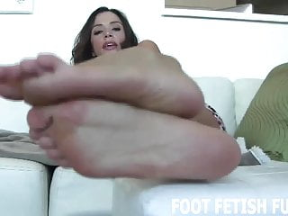 I will show you how to worship a womans feet right
