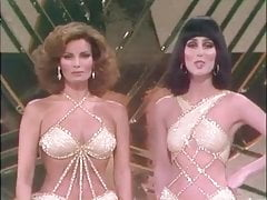 Cher & Raquel Welch - I'm A Woman
