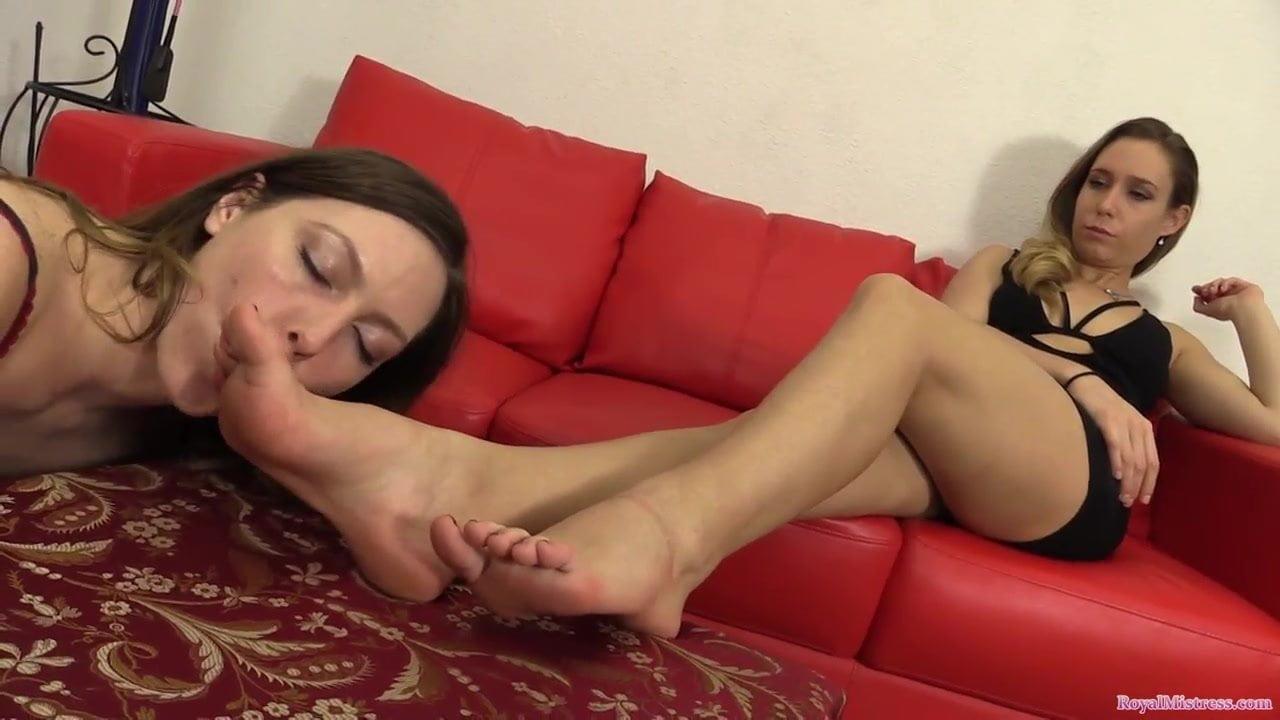 Sniffing Lesbian Sweaty Feet