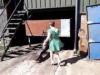 Slut exhibe out door...