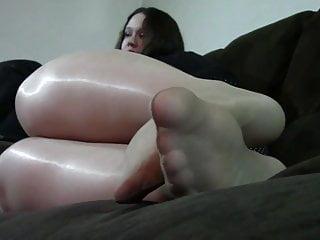 Jennifer feet play...