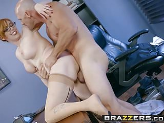 Brazzers Big Tits at Work La star della scena della New Girl Part