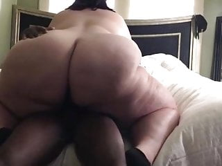 Bbw while porn plays in background...