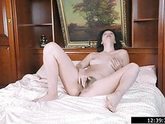 Single Mommy Stephania - Barefoot and Hairy 1