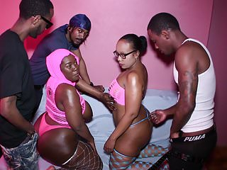BBW BUTT PARTY BIG FUCK 5 WAY