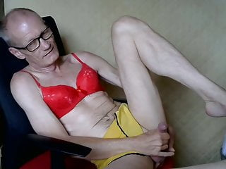 dressed Master again cdplay68 P2 ! Skype GHZ - ! session