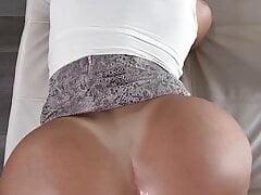 Big Tits Big Ass Delight  bien
