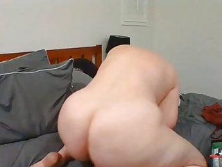 Mature mom likes to masturbate