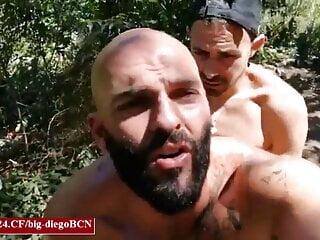 Spaniard sucks big dicks in cruising spots