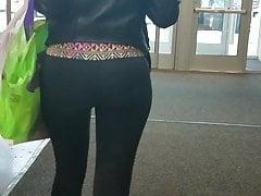 Sexy Black Teen in leggings (Busted)