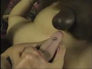 Closeup of cuckoldress getting a big BBC facial