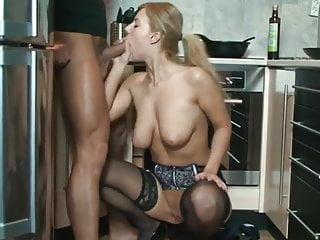 Deutsche Sexfilme - Geiler Anal Quickie in der Küche
