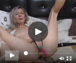 Bitch gets nasty spreading her legs. Sexy sandals included.