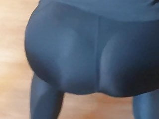 legging thong see visible girl in Fit through