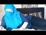 Hijab Wearing Girl See thru Leggings