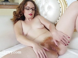 Ana Molly dildo masturbates her glass with