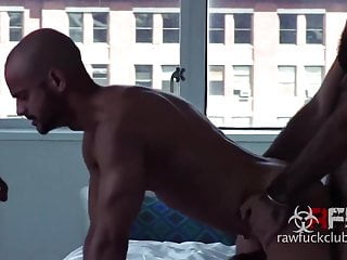 Threesome raw fuck