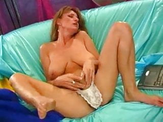 Mom squirting f70...