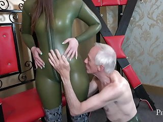 and Goddess Me  - Masturbates Worship Vivienne l'Amour Serve