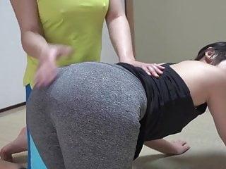 Spanking Lesbian Doggy Style vid: Yoga pants spanking